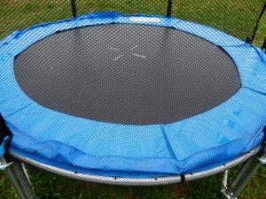 trampoline-114587_1920